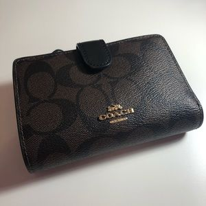 Coach Business Card Case Wallet.